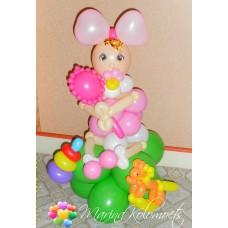 Куколка из шаров в роддом