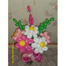 Букет из шаров двойные ромашки