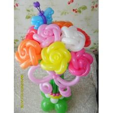 Букет из шаров розы на подставке.