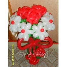 Букет из шаров Розы в Ромашках