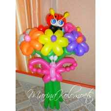 Разноцветные ромашки из воздушных шариков.