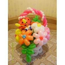 Корзинка ромашек из шаров