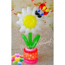 Цветочек в вазочке из шариков