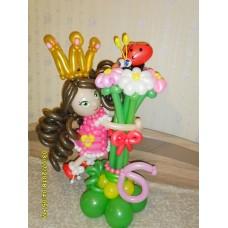 Девочка брюнетка из воздушных шаров