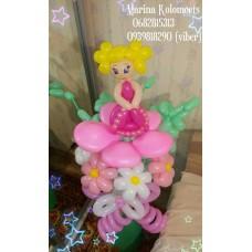 Кукла из шаров на огромном букете