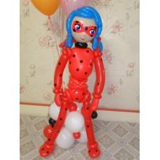Фигура Леди Баг из шариков