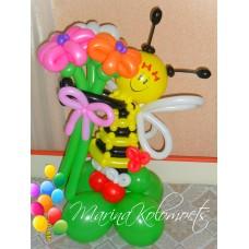 Пчелка из шаров