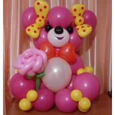 Розовый мишка из шаров