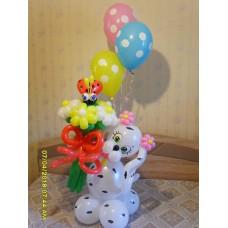 Собачка из шаров с букетом гелиевых шариков