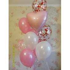 Гелиевые шарики с конфетти в сердечко и фольгированным сердечком.